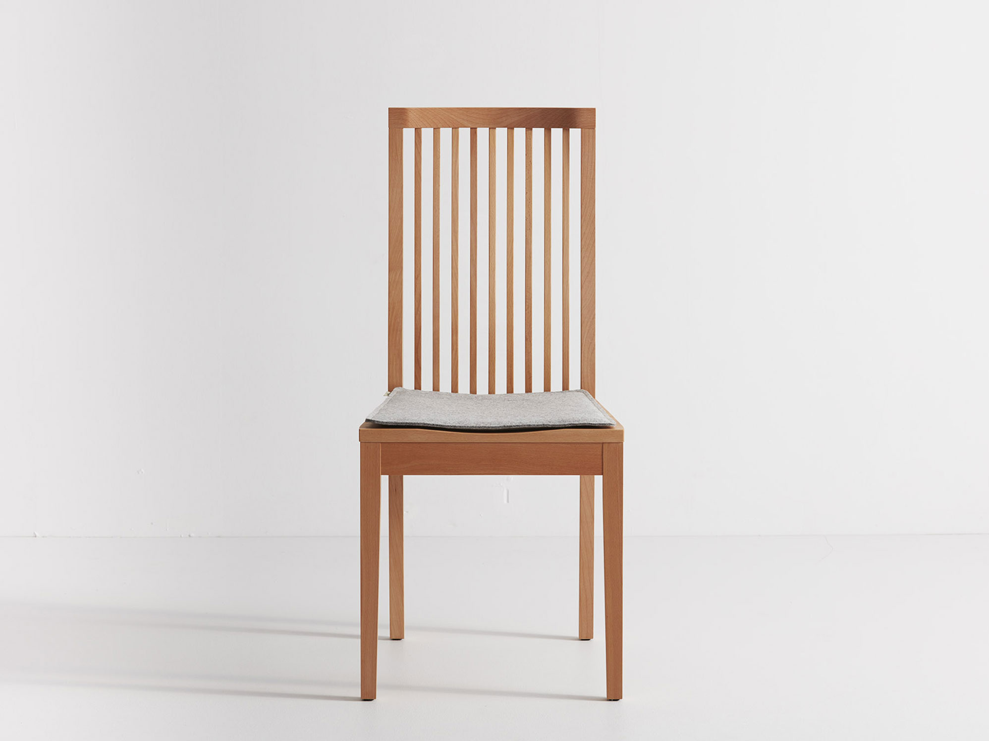 stuhlauflage f r stuhl achill 100 schafschurwoll filz gr ne erde. Black Bedroom Furniture Sets. Home Design Ideas