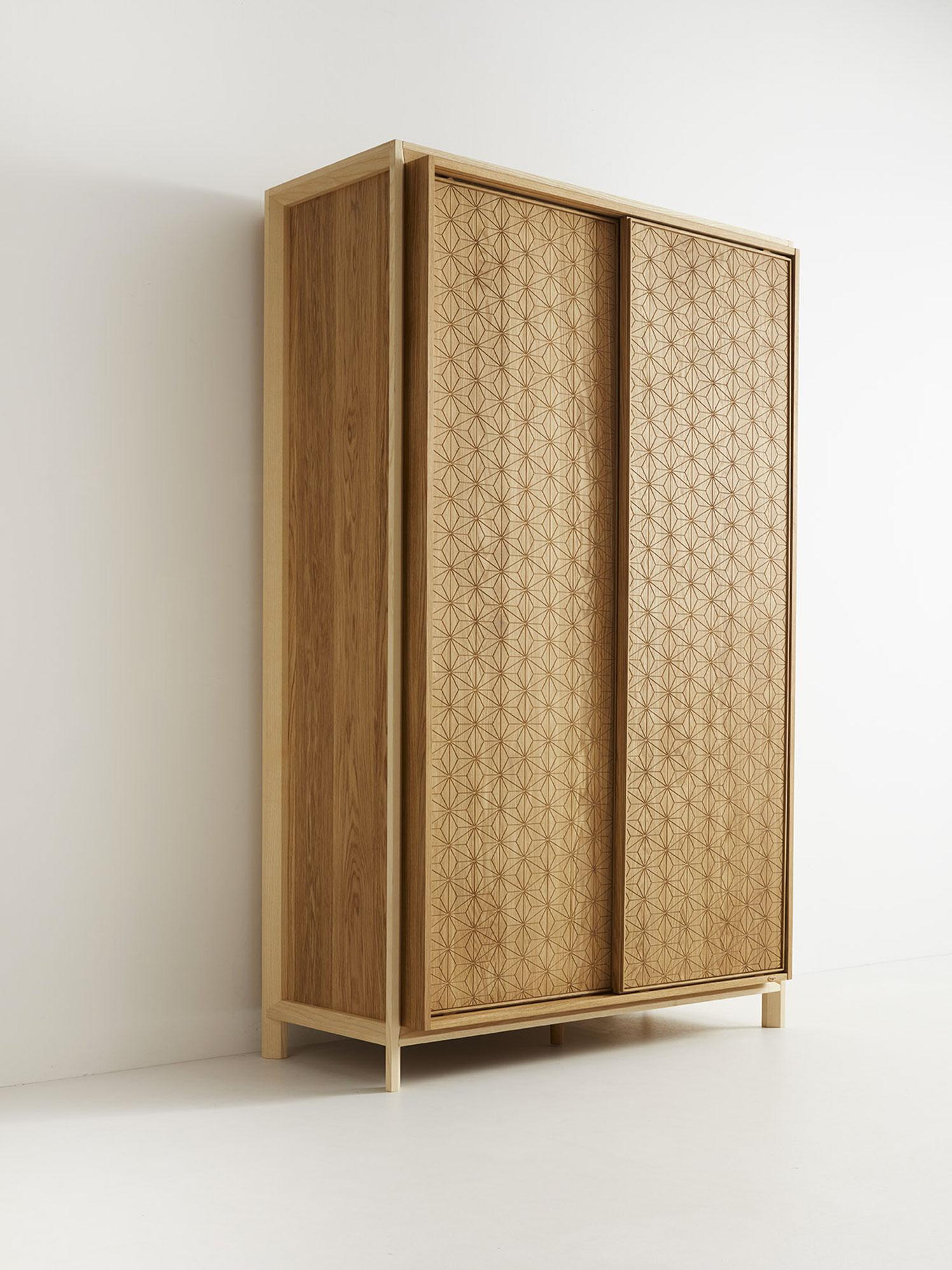 Asanoha Kleiderschrank 2-türig, Eiche, Türen mit Holzfüllung, B ...