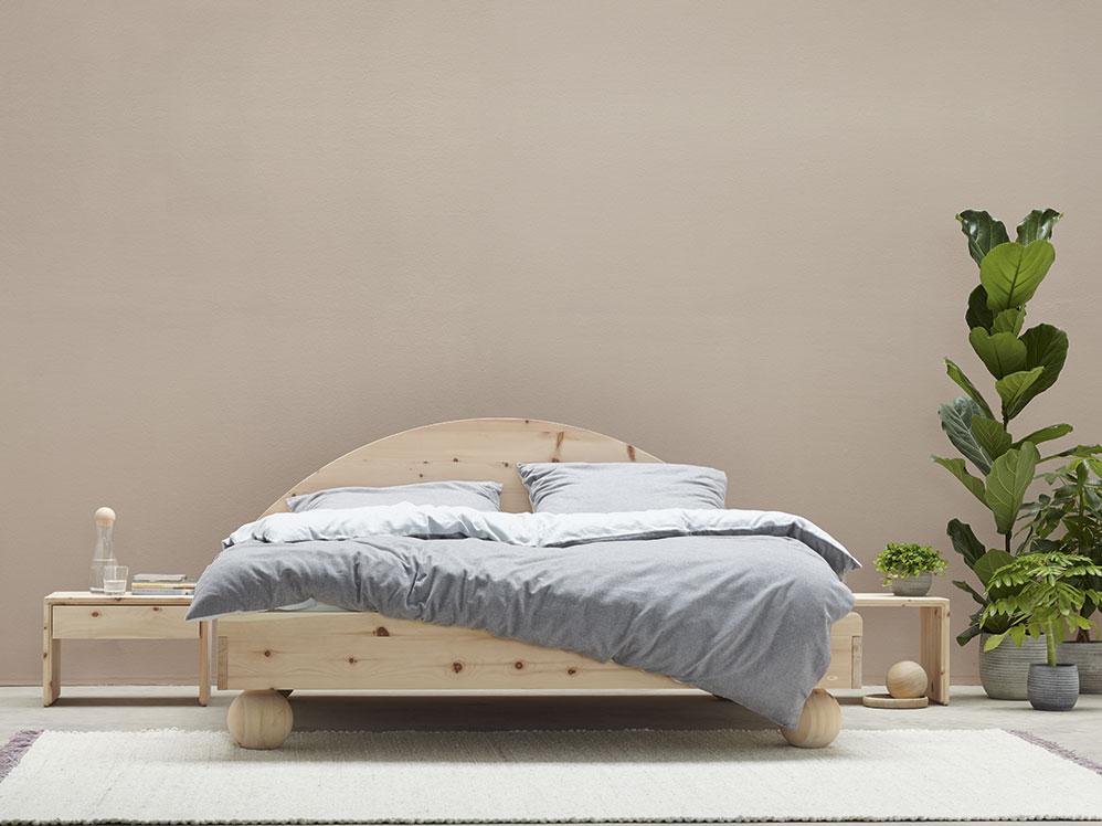 Elfenbett flora mit kugelf ssen aus zirbe gr ne erde - Grune erde schlafzimmer ...