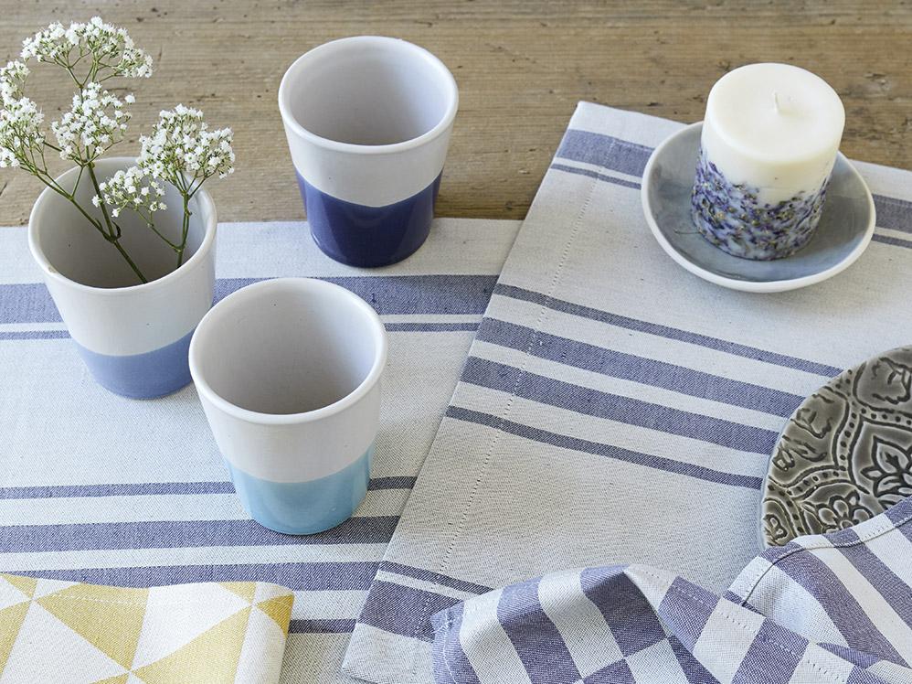 becher aus keramik ohne henkel gr ne erde. Black Bedroom Furniture Sets. Home Design Ideas