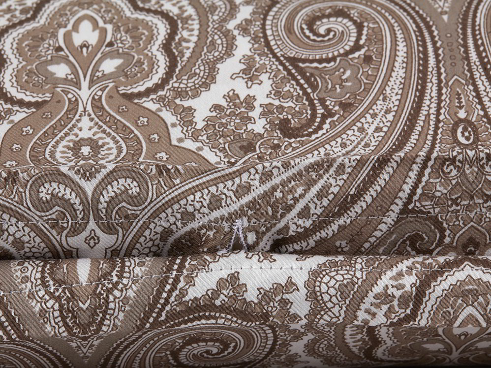 indira decken berzug schweizer baumwoll satin gr ne erde. Black Bedroom Furniture Sets. Home Design Ideas