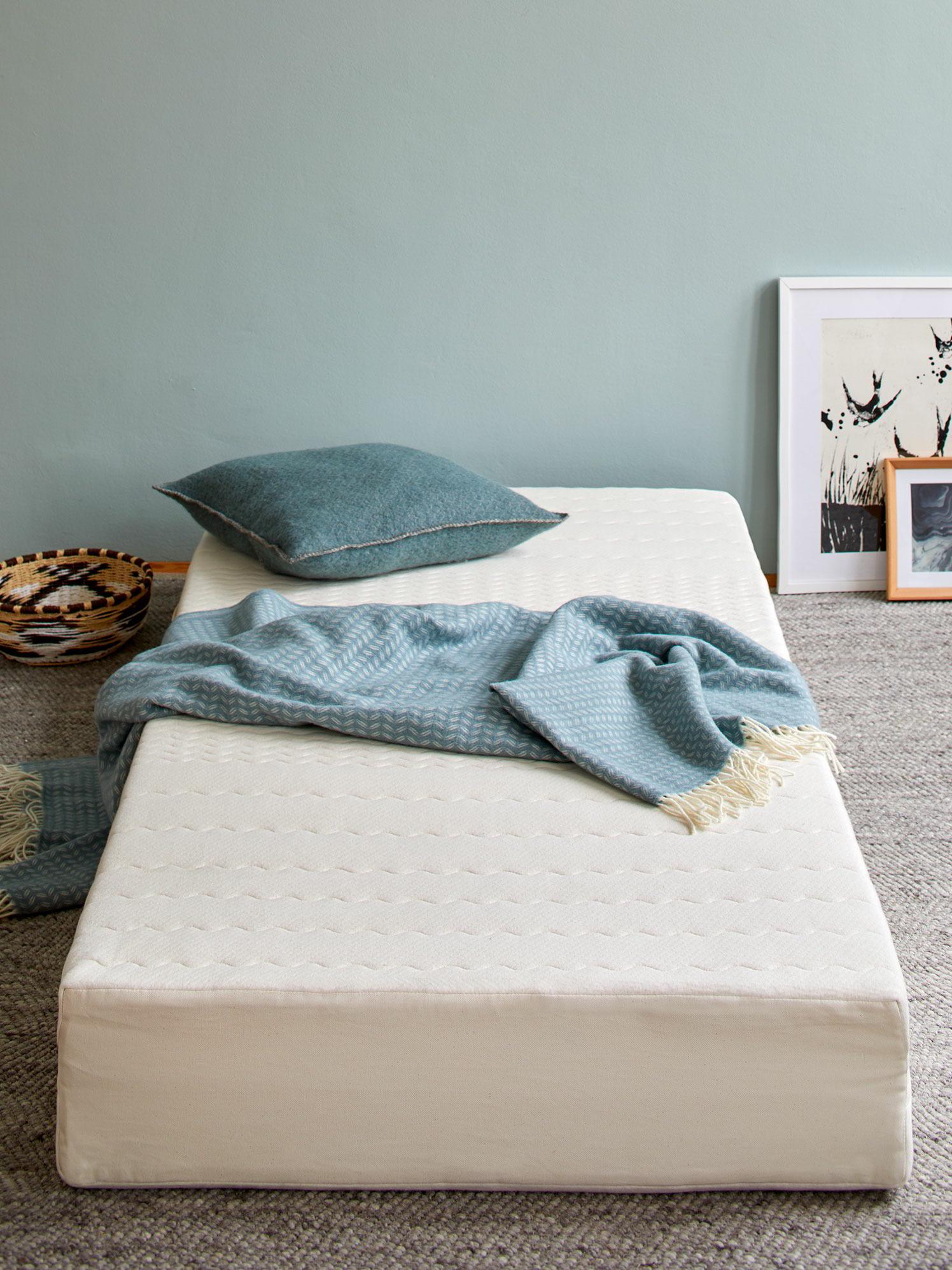 matratze wolke von eden nat rliche klimaanlage gr ne. Black Bedroom Furniture Sets. Home Design Ideas